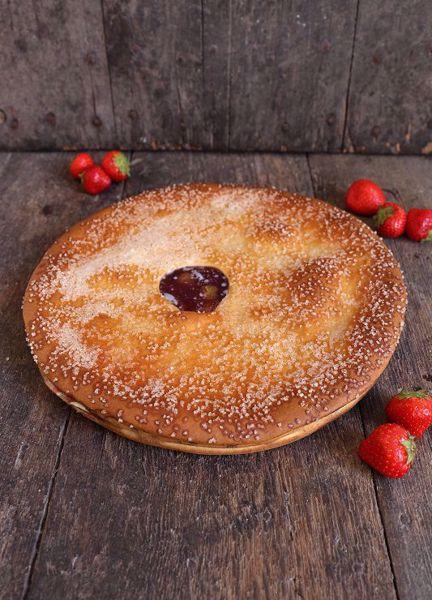 Afbeelding van Vegan (lactose vrije) Aardbeien Rabarbervlaai (30 cm)