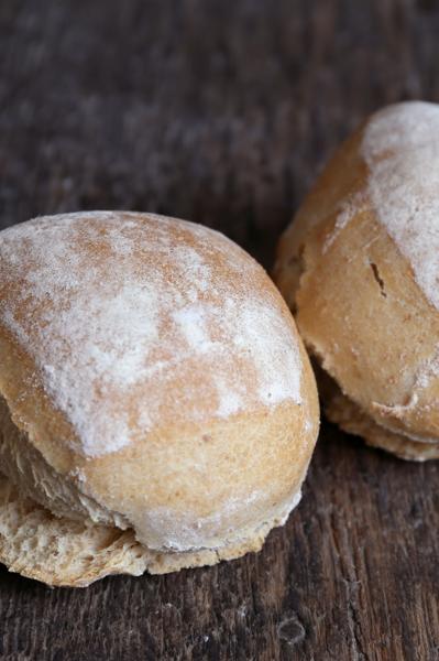 Afbeelding van Desem Broodjes Wit hard (per 5 stuks)