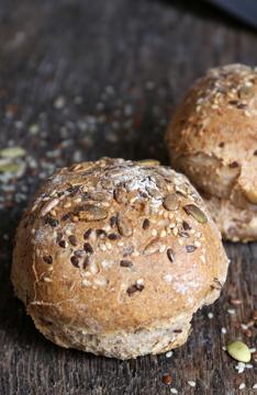 Afbeeldingen van Desem Broodjes Zaden hard (per 5 stuks)